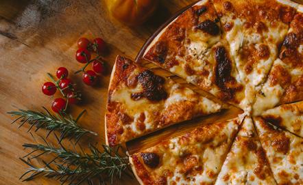 Kamień do pizzy – czy warto mieć go w kuchni?