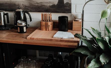 Kuchnia w stylu retro: inspiracje, meble, dodatki